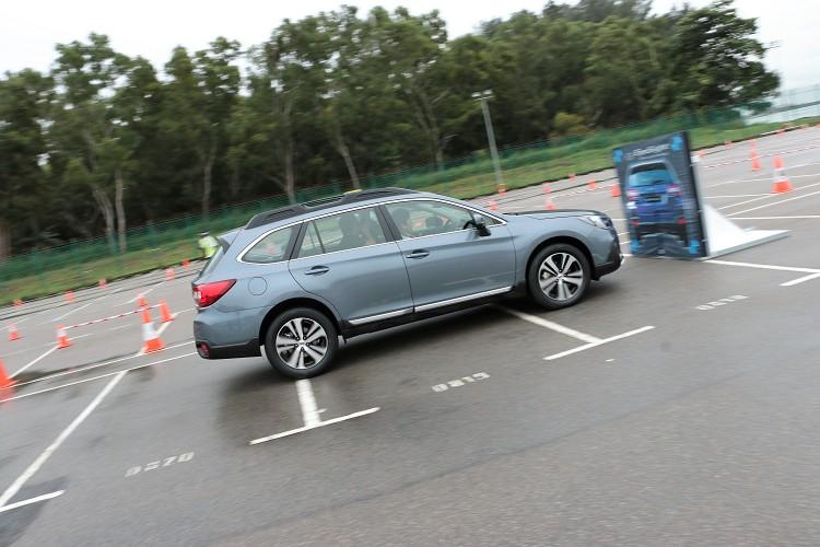 如果與前方車輛速差小於50km/h或與前方行人速差小於35km/h,Subaru Eyesight介入後會將車輛將完全煞停,避免碰撞事故發生。