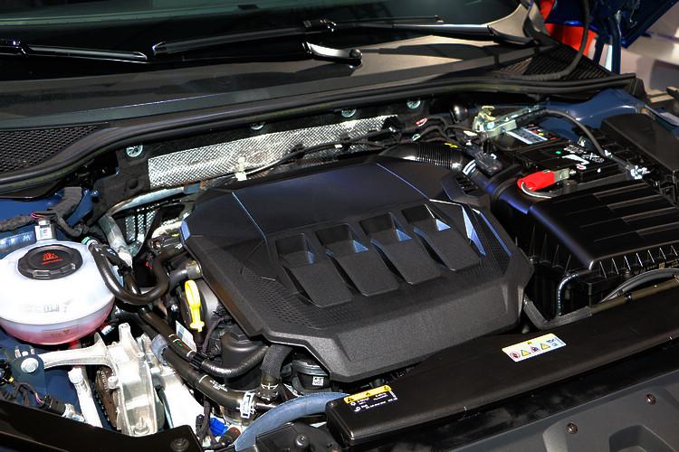 兩種動力分別提供190ps和272ps的最大馬力輸出。