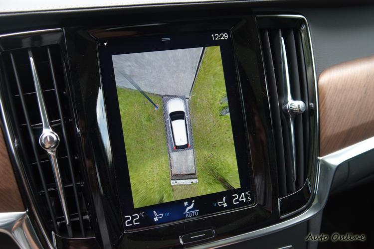 360度環車顯影系統對於越野時的判位有很大幫助。
