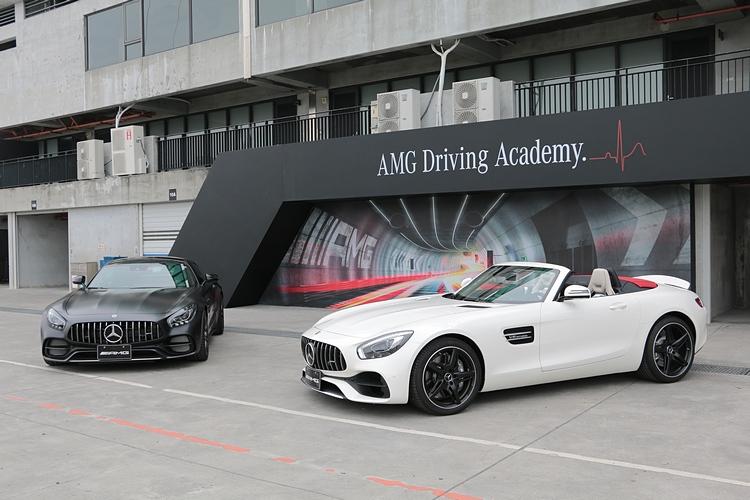 最新上市的AMG GT C Edition 50與AMG GT Roadster兩款車現身賽道。