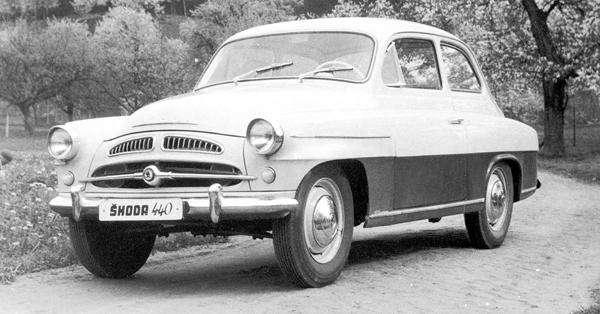 SKODA 440(1955)L4、1,089cc排氣量、39hp、FR