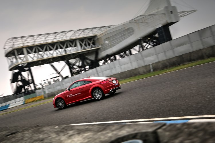 對於消費者來說,體驗的同時能夠學到很有用的駕駛技巧和觀念,順便也可以找到最適合自己操駕風格的車型。。