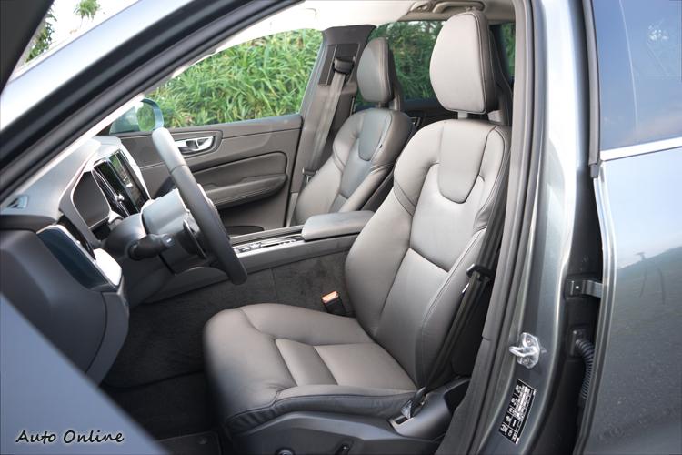 座椅換上新設計,R-Design以上車型為Nappa真皮包覆。