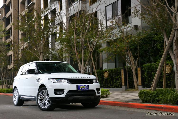 Range Rover Sport售價從465萬元起的汽油動力與505萬元起的柴油動力。
