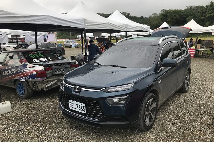 工作車商借Luxgen URX,久沒開到後接觸,發現Luxgen進步很多,不管是動力、底盤還是安全性,都有很顯著的提升。