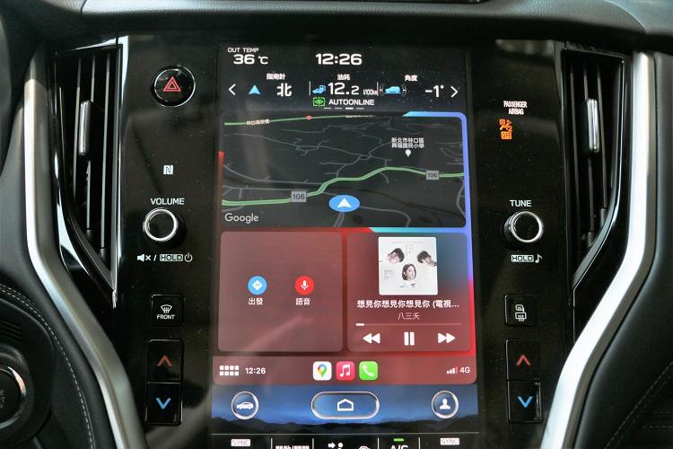 系統支援支援Apple CarPlay™與Android Auto™兩大系統。
