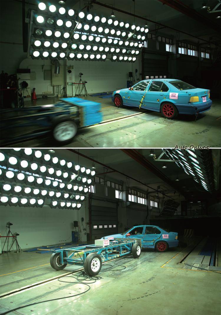 側方碰撞測試是台車以50km/h撞擊測試車駕駛側的側面(駕駛座放側撞人偶)。