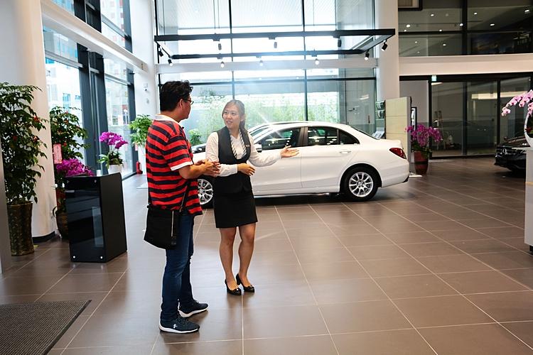 萬一找不到理想車款,直接向銷售人員表明屬意的車款及預算,還有代客搜尋服務。