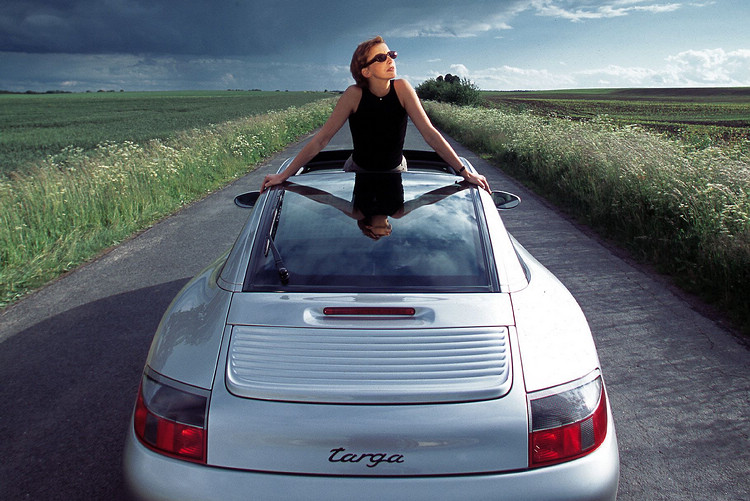 2002年式Porsche 911 Targa。