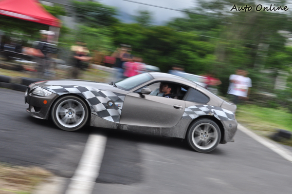 難得一見的Z4 M也是可以駕駛的車款之一,還是手排的喔。