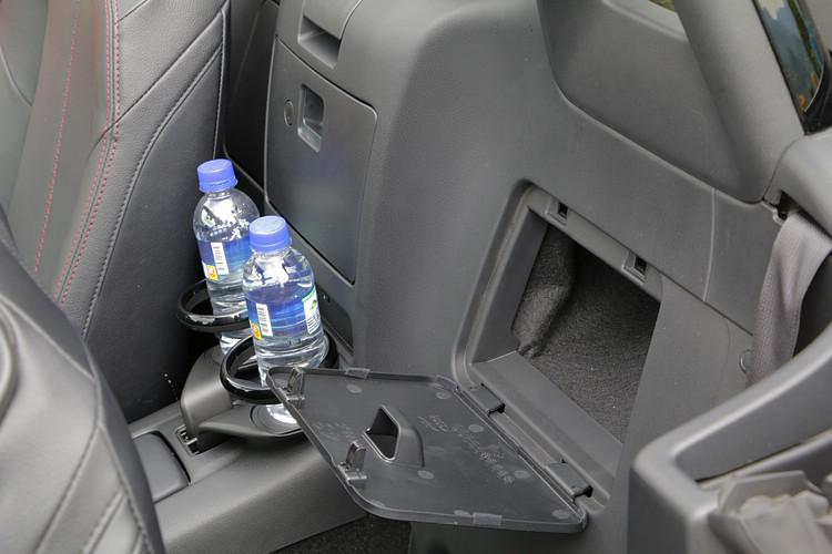 嫌棄Roadster置物空間不足?那麼你應該沒開過連一顆籃球都放不進行李廂的義大利車。