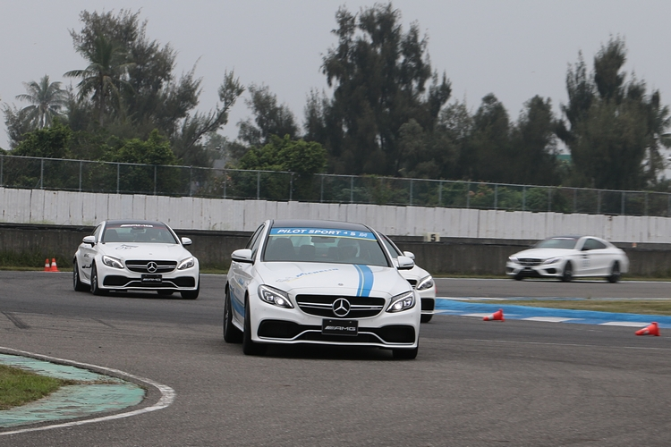 藉由不同車型的試駕,很容易就能發現彼此操駕特性的差異。