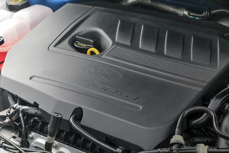 四門車型導入1.5升EcoBoost 180汽油渦輪增壓引擎,性能、油耗表現都有超水準演出。