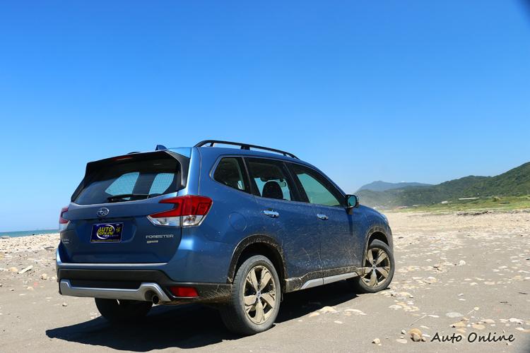 換上Subaru Global Platform全球模組化底盤,它的優勢在於結構更強以及重心更的平台。
