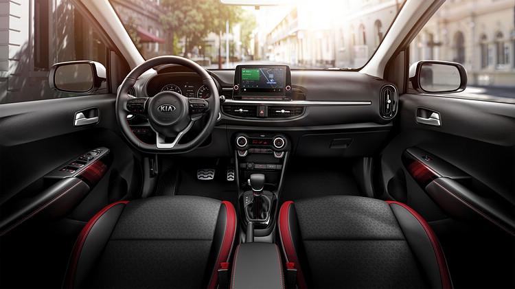 全車系標配4.2 吋全彩整合智慧型旅程電腦,懸浮式8吋多媒體影音觸控系統也內建無線Apple Carplay / Android Auto等手機連線功能。