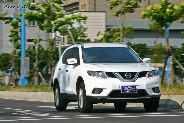 第三代X-TRAIL在外型上比較接近Rogue,一樣走Crossover風格,原廠表示這會是新世代SUV趨勢。