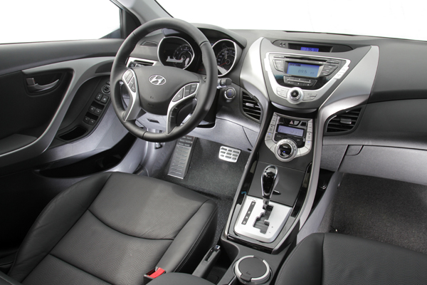 Hyundai不僅外觀設計越來越有家族特色,內裝也是一樣。