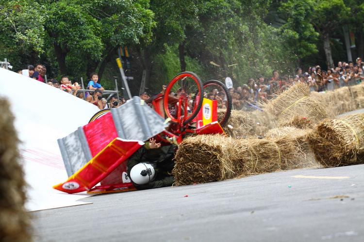 掛名行天宮參賽車似乎沒有得到神明的庇護,在碗公彎慘遭翻車。