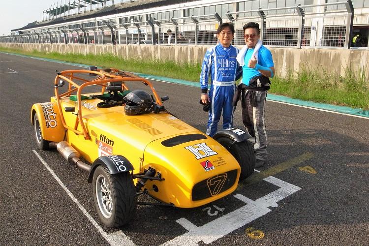 德國歐馬汽車羅董事也親身參與了四小時的耐久賽。