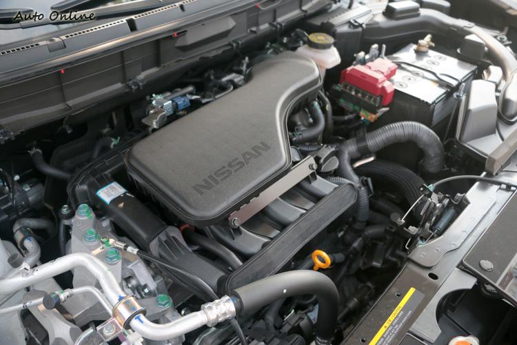 2.0L直列四缸引擎,搭配缸內直噴技術,最大馬力141.5hp與最大扭力20.1kgm。