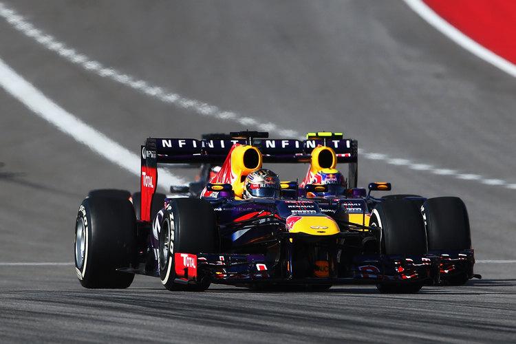 在離開一級方程式前,Mark Webber與Red Bull的隊友關係相當緊張,後來甚至在自傳中大爆與Vettel不和的真正內幕。