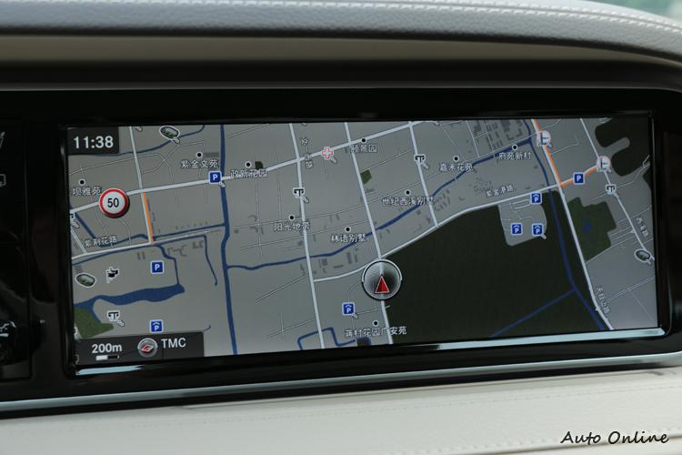 12.3吋的螢幕顯示導航地圖非常清晰順暢,顯示此系統CPU應該有很不錯的效能。