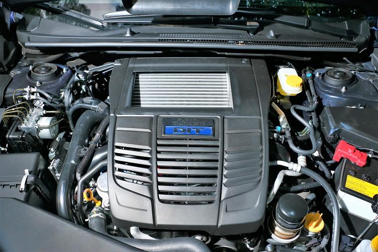2.0版本引擎換上與WRX相同的代號FB20的2.0升四缸水平對臥渦輪增壓引擎。