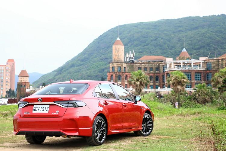 Toyota Corolla Altis是台灣車市非常重要的一款車,現在有GR Sport加持,產品力度持續加重,同時也吸引到更多年輕人矚目。