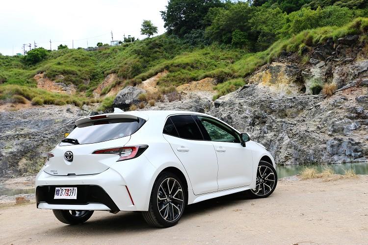 Auris是Toyota近幾年頗具重要的戰略性五門掀背車,帥氣外觀、優異底盤、豐富配備等優勢,深得年輕人所喜愛。