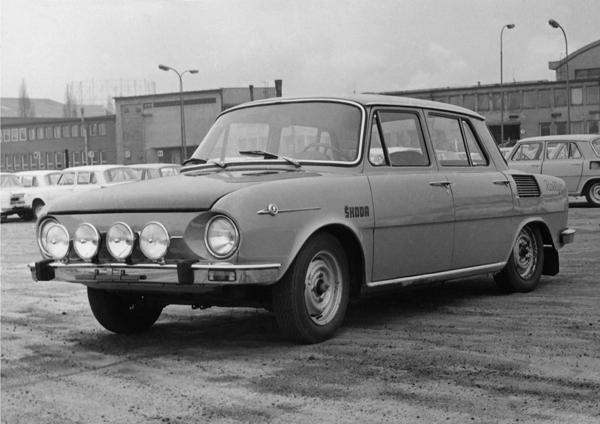 SKODA 100、998cc排氣量、RR (1973)
