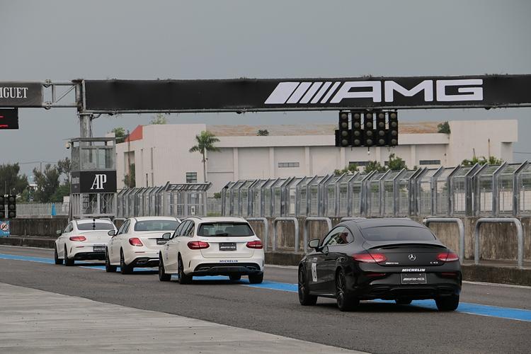 43系列是AMG家族的入門車型,不過動力表現已有頂尖水準。