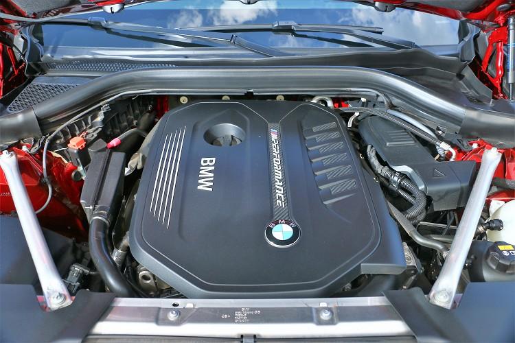 最大馬力360hp與最大扭力51kgm,可以算是目前買到性能最強悍的X4。