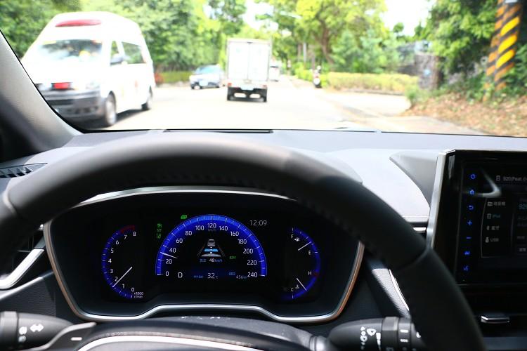 主動安全搭載最先進的「Toyota Safety Sense 2.0智動駕駛輔助系統」,整合了多項駕駛輔助科技。