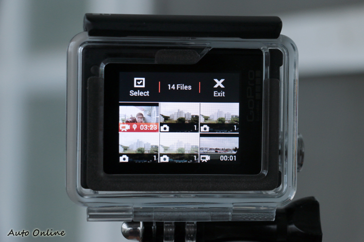 經過韌體更新後,播放模式的清單會將後拍的影像排在前面,此外使用HiLight Tag功能後也會出現在縮圖上。