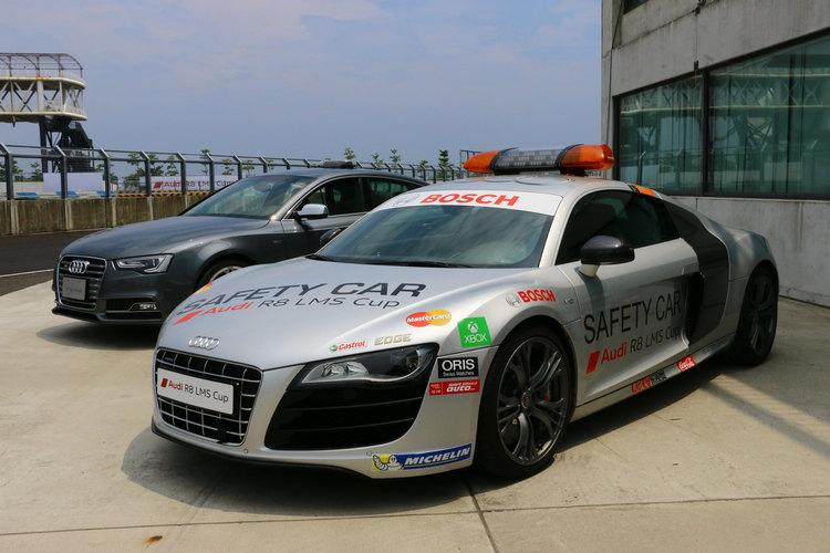 Safety Car也是採用R8作為前導,Medical Car則由S5 Sportback擔任。