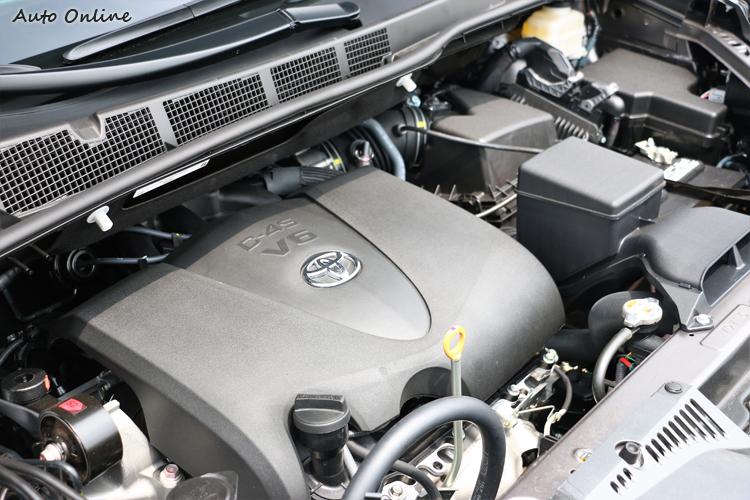 動力是這次改款另一亮點,搭載代號2GR-FKS 3.5L V6引擎。