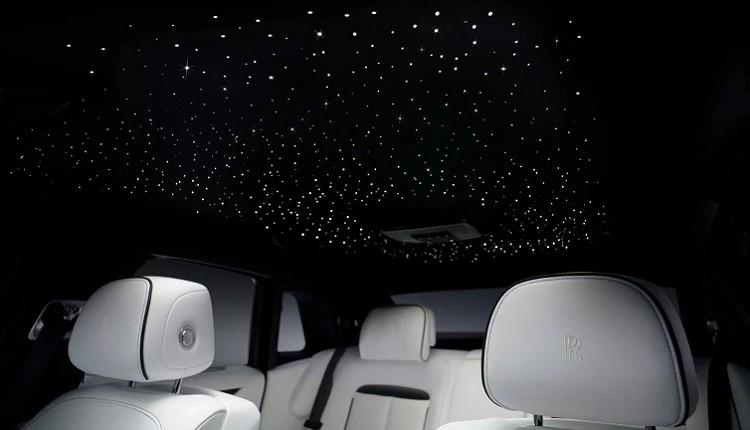 勞斯萊斯的內裝設計當中最精采的莫過於獨特的星光頂篷。