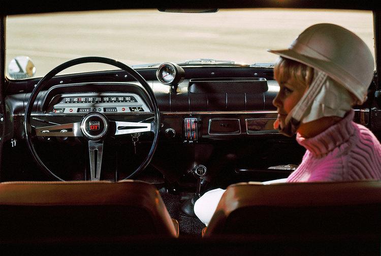 為了匹配123 GT的性能地位,儀錶板上方還加裝一組獨立轉速表。