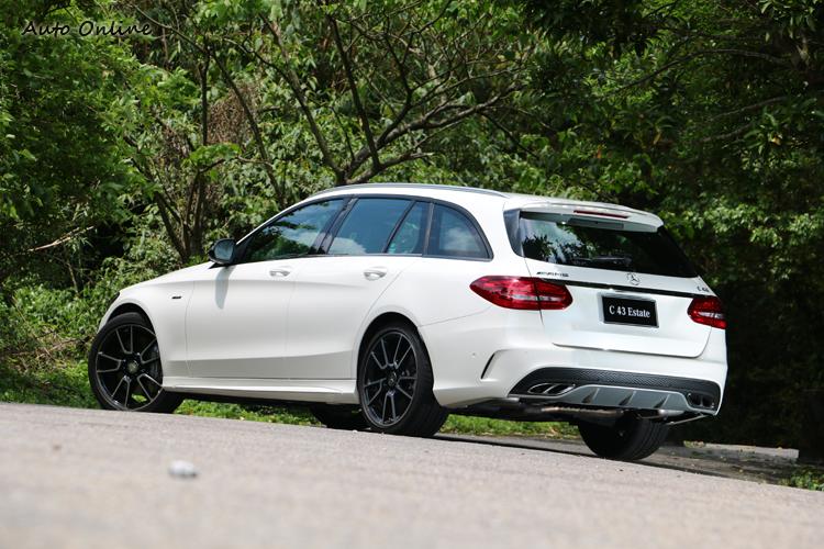 C43 Estate以紳士的風度滿足了對於AMG駕馭快感的期待,價格上也比63系列更平民。