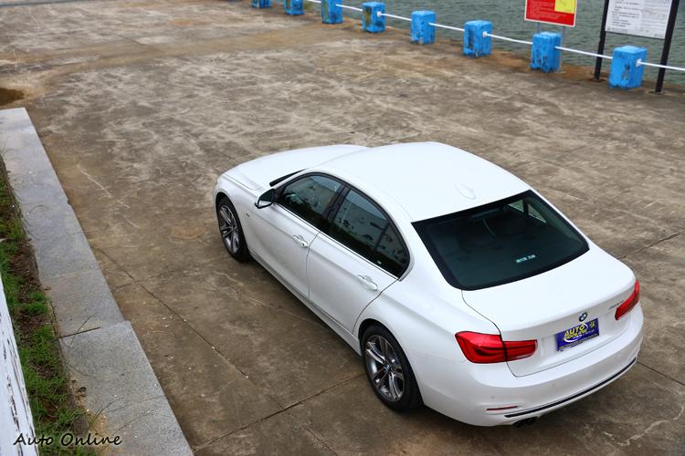 BMW產品定位上非常明確,駕駛樂趣是品牌設計出發點,尤其是3系列還是能得到喜愛操控的消費者愛戴。