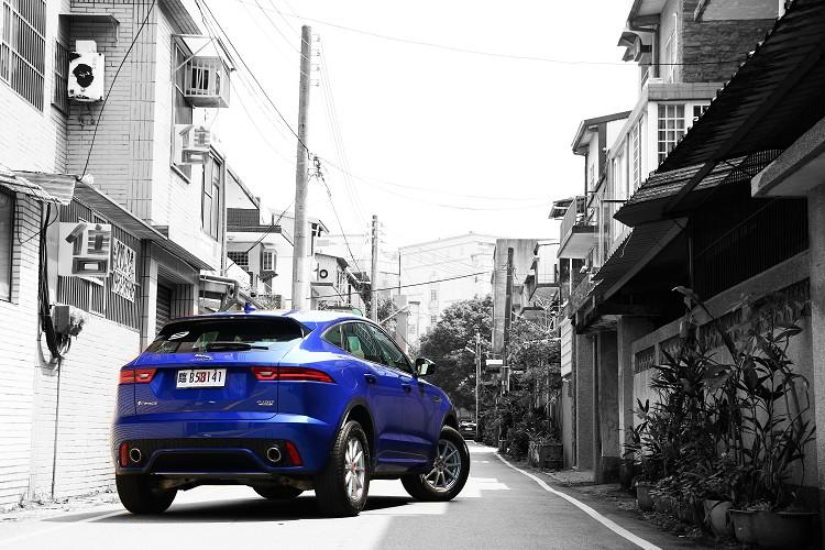 身為家族中最年輕Compact SUV,又被稱之為Baby Jaguar,擁有多種面向是一輛能帶你到任何場合的休旅車。