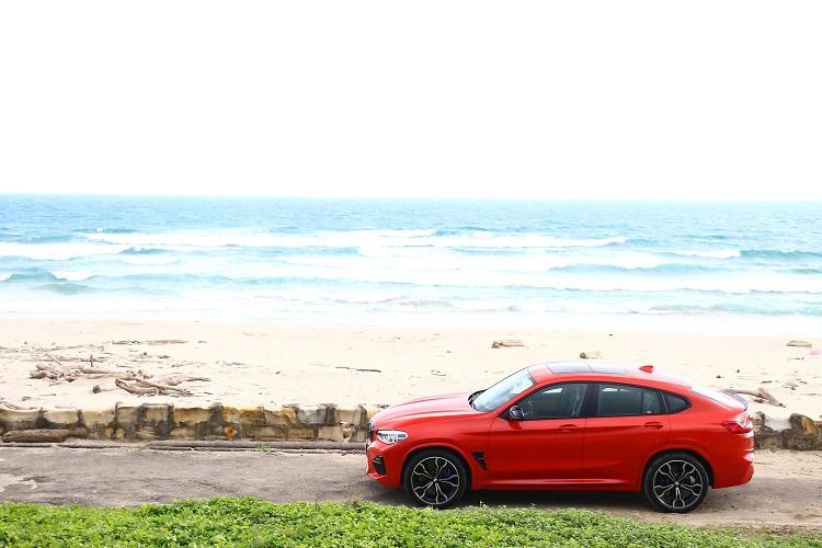 BMW身為SAC車格的先驅,完美將跑車的帥氣以及休旅車的實用性結合,帶給消費者一種全新體驗。