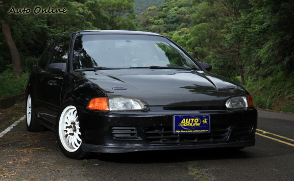 這就是沈佳穎平常代步的Honda K6,大家在路上看到她可別太熱情嚇到她喔!