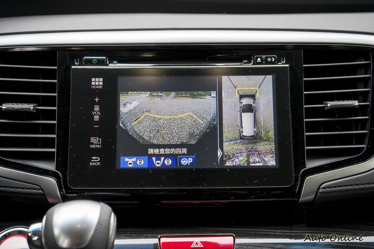 360度環景影像等多項安全輔助影像功能加入,讓駕駛更能掌握環境。