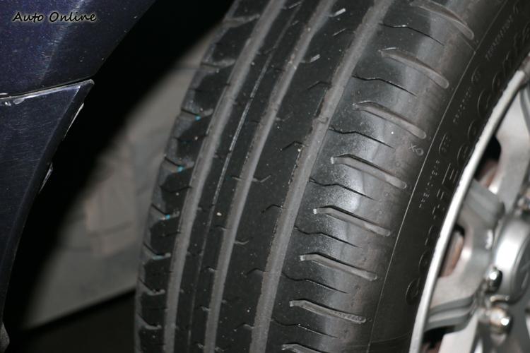 透過胎面橡膠配方的調配,CEC5濕地煞車表現出色。