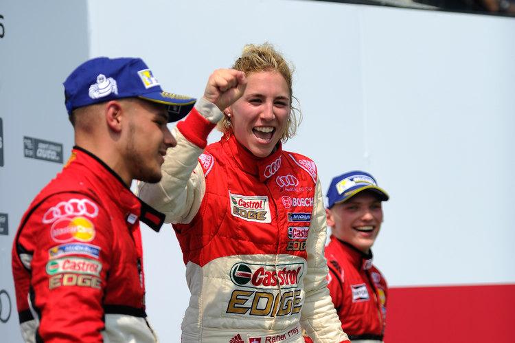 首度挑戰台灣賽道就摘下冠軍,瑞士女將Rahel Frey在頒獎台上險得相當興奮。
