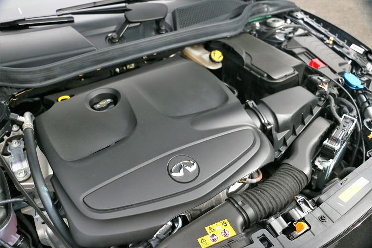 缸內直噴科技搭配高效渦輪增壓系統,爆發出208hp/5500rpm最大馬力及35.7kgm/1200rpm最大扭力。