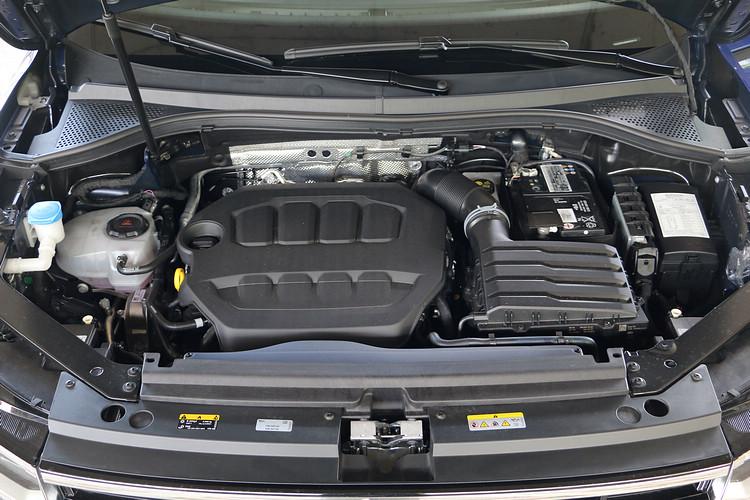 這具引擎具備320 ps最大馬力和42.8 kgm最大扭力,也是本車最大賣點所在。