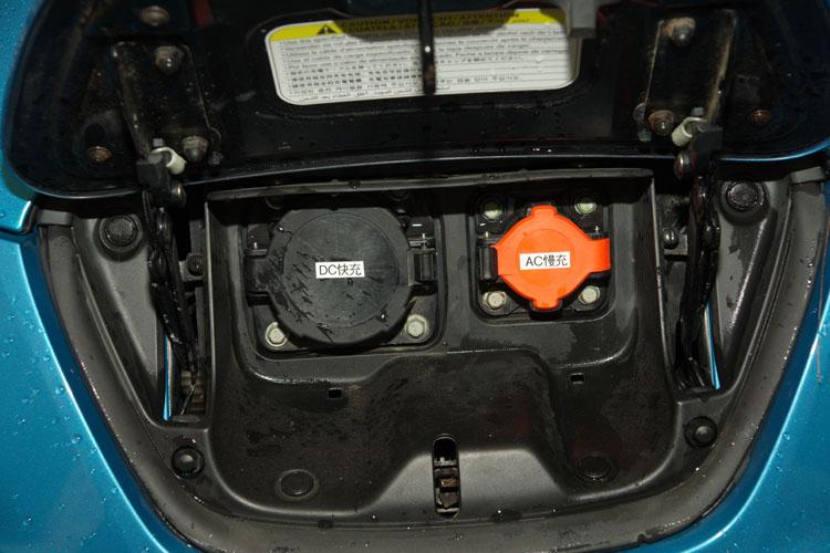 已市售的電動車通常同時具備慢充(一般充電)與快充系統,以因應不同的充電需求。