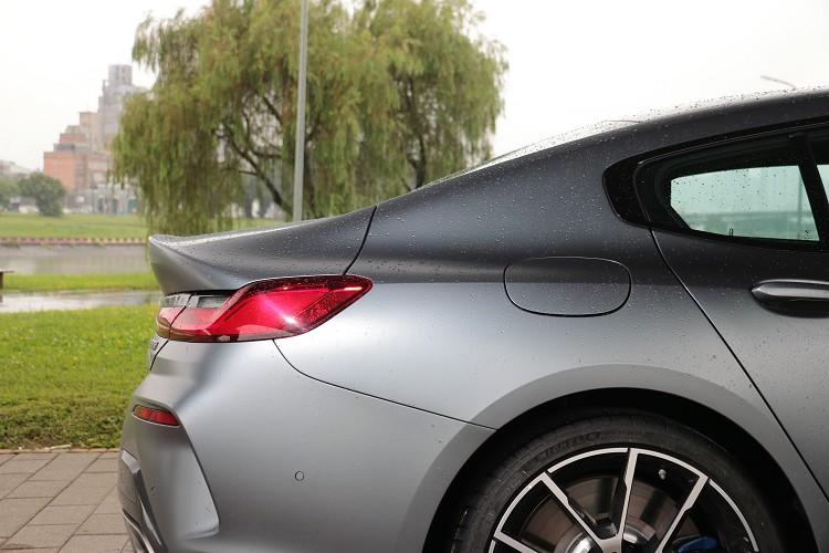 四門跑車Gran Coupe有著性感的翹臀,低調卻帶有它實質效益。
